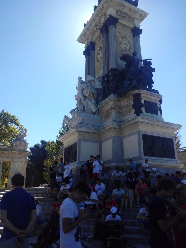 Monumento a Alfonso XII Parque del Retiro, Madrid. Hay 4 pokeparadas juntas